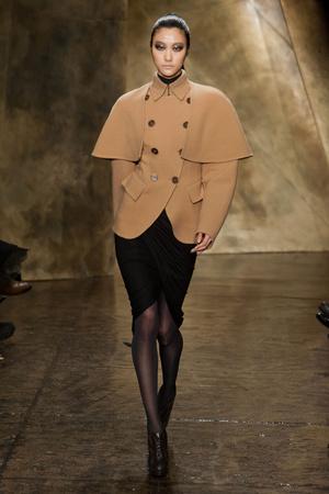Показ Donna Karan коллекции сезона Осень-зима 2013-2014 года Prêt-à-porter - www.elle.ru - Подиум - фото 488462