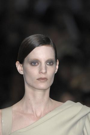 Показ Givenchy коллекции сезона Весна-лето 2009 года Haute couture - www.elle.ru - Подиум - фото 86849