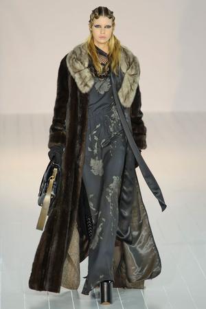 Показ Marc Jacobs коллекции сезона Осень-зима 2016-2017 года Prêt-à-porter - www.elle.ru - Подиум - фото 603184