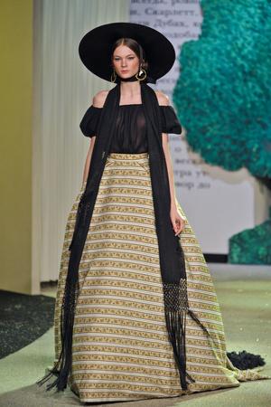 Показ Ulyana Sergeenko коллекции сезона Весна-лето 2013 года Haute couture - www.elle.ru - Подиум - фото 479061