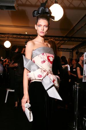 Показ Giorgio Armani Privé коллекции сезона Осень-зима 2011-2012 года haute couture - www.elle.ru - Подиум - фото 278181
