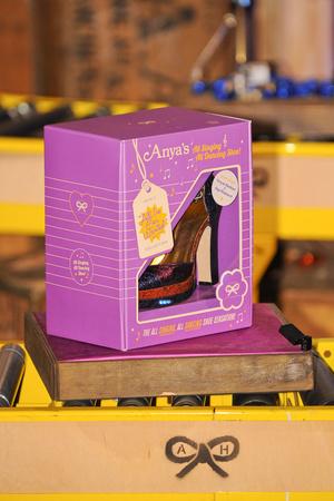 Показ Anya Hindmarch коллекции сезона Осень-зима 2012-2013 года Prêt-à-porter - www.elle.ru - Подиум - фото 356842