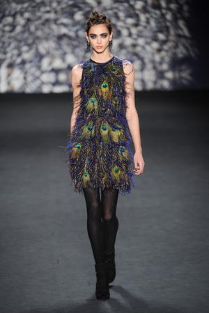 Показ Nicole Miller коллекции сезона Осень-зима 2014-2015 года Prêt-à-porter - www.elle.ru - Подиум - фото 576298