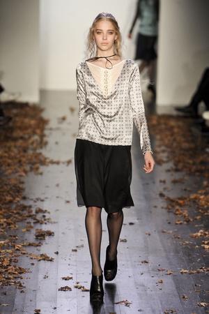 Показ Daniel Vosovic коллекции сезона Осень-зима 2011-2012 года Prêt-à-porter - www.elle.ru - Подиум - фото 230531