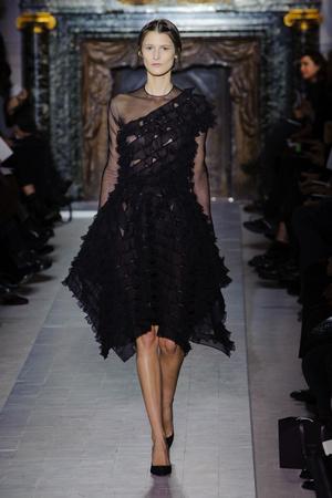 Показ Valentino коллекции сезона Весна-лето 2013 года Haute couture - www.elle.ru - Подиум - фото 480765