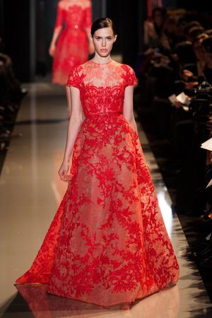 Показ Elie Saab коллекции сезона Весна-лето 2013 года Haute couture - www.elle.ru - Подиум - фото 480399