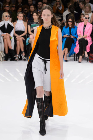 Показ Christian Dior коллекции сезона Весна-лето 2015 года Prêt-à-porter - www.elle.ru - Подиум - фото 590878