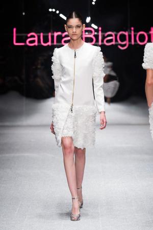 Показ Laura Biagiotti коллекции сезона Весна-лето 2013 года prêt-à-porter - www.elle.ru - Подиум - фото 443514