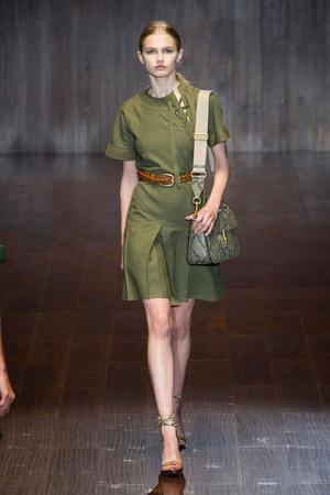 Показ Gucci коллекции сезона Весна-лето 2015 года prêt-à-porter - www.elle.ru - Подиум - фото 588723