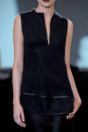 Показ Atelier Gustavo Lins коллекции сезона Осень-зима 2011-2012 года haute couture - www.elle.ru - Подиум - фото 278193