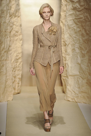 Показ Donna Karan коллекции сезона Весна-лето 2011 года Prêt-à-porter - www.elle.ru - Подиум - фото 175916