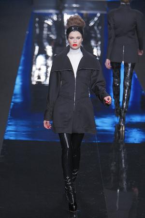Показ Karl Lagerfeld коллекции сезона Осень-зима 2010-2011 года prêt-à-porter - www.elle.ru - Подиум - фото 156002