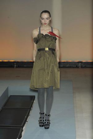 Показ Vivienne Tam коллекции сезона Осень-зима 2010-2011 года prêt-à-porter - www.elle.ru - Подиум - фото 144404