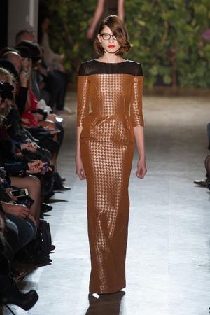 Показ Didit Hediprasetyo коллекции сезона Весна-лето 2014 года haute couture - www.elle.ru - Подиум - фото 575399
