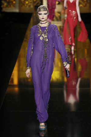 Показ Christian Dior коллекции сезона Осень-зима 2009-2010 года Prêt-à-porter - www.elle.ru - Подиум - фото 97681