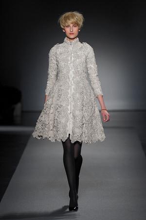 Показ Christophe Josse коллекции сезона Осень-зима 2011-2012 года Haute couture - www.elle.ru - Подиум - фото 276960