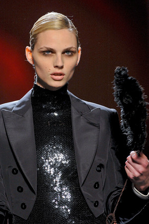 Показ Jean Paul Gaultier коллекции сезона Осень-зима 2011-2012 года haute couture - www.elle.ru - Подиум - фото 279344