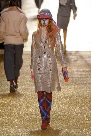 Показ Vivienne Westwood коллекции сезона Осень-зима 2011-2012 года Prêt-à-porter - www.elle.ru - Подиум - фото 253033