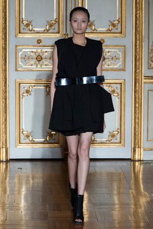 Показ Rad Hourani коллекции сезона Весна-лето 2014 года Haute couture - www.elle.ru - Подиум - фото 575276