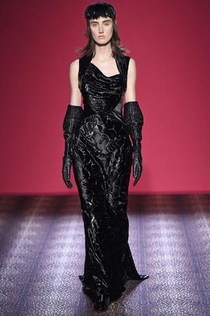 Показ Schiaparelli коллекции сезона Осень-зима 2014-2015 года Haute couture - www.elle.ru - Подиум - фото 584734