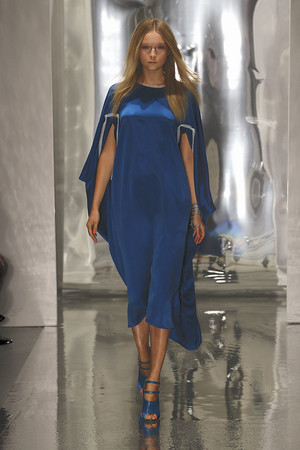 Показ Roksanda Ilincic коллекции сезона Весна-лето 2011 года Prêt-à-porter - www.elle.ru - Подиум - фото 180391
