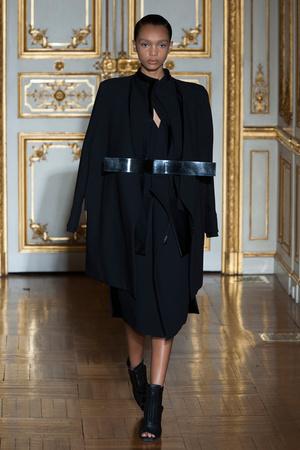 Показ Rad Hourani коллекции сезона Весна-лето 2014 года Haute couture - www.elle.ru - Подиум - фото 575272
