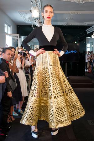 Показ Stephane Rolland коллекции сезона Осень-зима 2015-2016 года Haute couture - www.elle.ru - Подиум - фото 597503