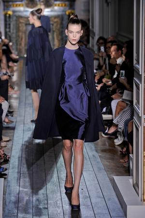 Показ Valentino коллекции сезона Осень-зима 2012-2013 года haute couture - www.elle.ru - Подиум - фото 404942