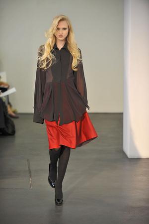 Показ Atelier Gustavo Lins коллекции сезона Осень-зима 2009-2010 года haute couture - www.elle.ru - Подиум - фото 87167