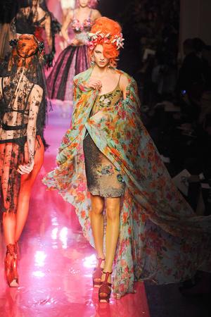 Показ Jean Paul Gaultier коллекции сезона Весна-лето 2012 года Haute couture - www.elle.ru - Подиум - фото 332620
