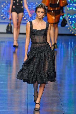 Показ Dolce & Gabbana коллекции сезона Весна-лето 2012 года prêt-à-porter - www.elle.ru - Подиум - фото 304304