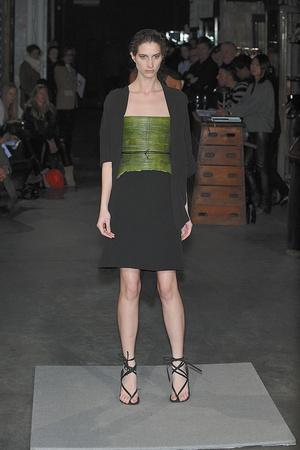 Показ Atelier Gustavo Lins коллекции сезона Весна-лето 2010 года Haute couture - www.elle.ru - Подиум - фото 138347