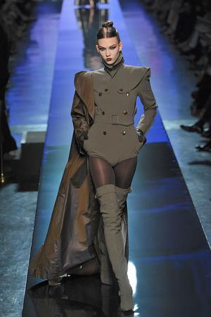 Показ Jean Paul Gaultier коллекции сезона Осень-зима 2009-2010 года Haute couture - www.elle.ru - Подиум - фото 87909