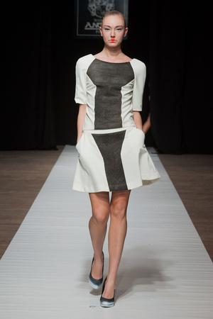 Показ Maison Anoufa коллекции сезона Весна-лето 2014 года Haute couture - www.elle.ru - Подиум - фото 574331