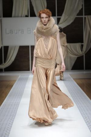 Показ Laura Biagiotti коллекции сезона Осень-зима 2010-2011 года prêt-à-porter - www.elle.ru - Подиум - фото 153290