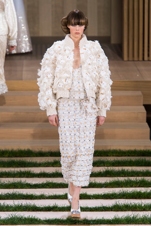 Показ Chanel коллекции сезона Весна-лето  2016 года haute couture - www.elle.ru - Подиум - фото 602765