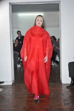 Показ Adeline Andre коллекции сезона Весна-лето 2010 года haute couture - www.elle.ru - Подиум - фото 138071