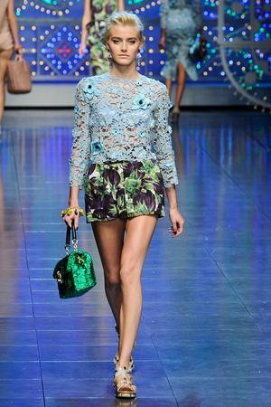 Показ Dolce & Gabbana коллекции сезона Весна-лето 2012 года prêt-à-porter - www.elle.ru - Подиум - фото 304296