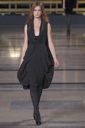 Показ Stephane Rolland коллекции сезона Осень-зима 2010-2011 года Haute couture - www.elle.ru - Подиум - фото 168034