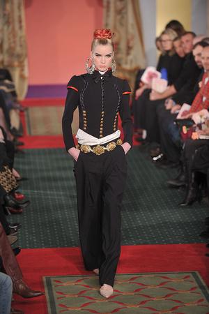 Показ Christian Lacroix коллекции сезона Весна-лето 2009 года haute couture - www.elle.ru - Подиум - фото 86452