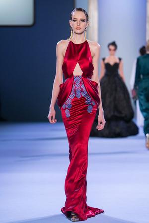 Показ Ulyana Sergeenko коллекции сезона Весна-лето 2014 года haute couture - www.elle.ru - Подиум - фото 574767