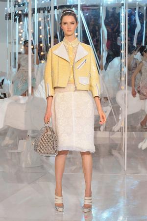 Показ Louis Vuitton коллекции сезона Весна-лето 2012 года Prêt-à-porter - www.elle.ru - Подиум - фото 313730