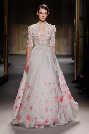 Показ Georges Hobeika коллекции сезона Весна-лето 2013 года Haute couture - www.elle.ru - Подиум - фото 477517