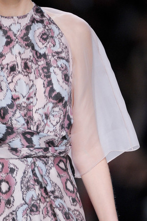 Показ Christian Dior коллекции сезона Осень-зима 2012-2013 года Prêt-à-porter - www.elle.ru - Подиум - фото 376925