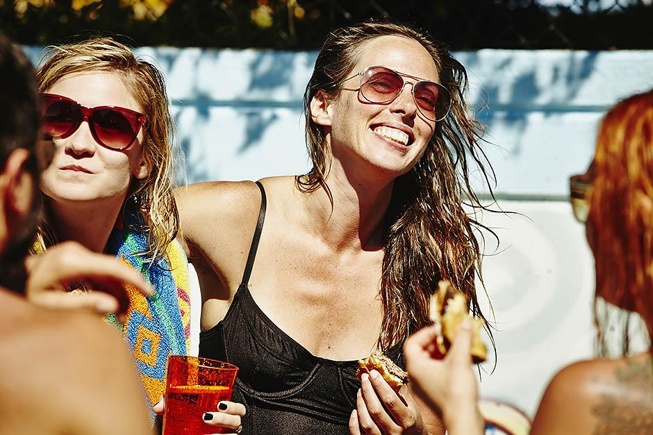 16 способов избавиться от последствий шумной вечеринки