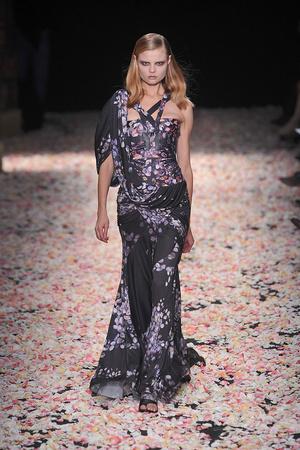 Показ Givenchy коллекции сезона Весна-лето 2009 года Haute couture - www.elle.ru - Подиум - фото 86828