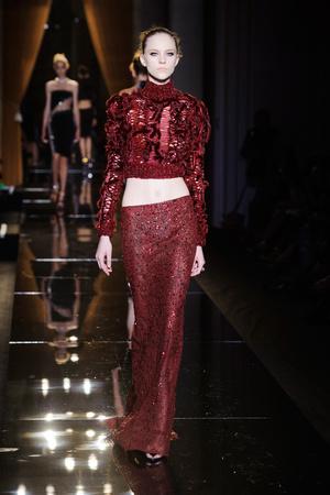 Показ Versace Haute Couture коллекции сезона Осень-зима 2013-2014 года Haute couture - www.elle.ru - Подиум - фото 556627