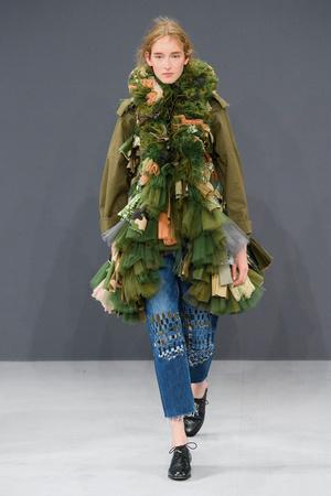 Показ Viktor & Rolf коллекции сезона Осень-зима 2016-2017 года haute couture - www.elle.ru - Подиум - фото 607425