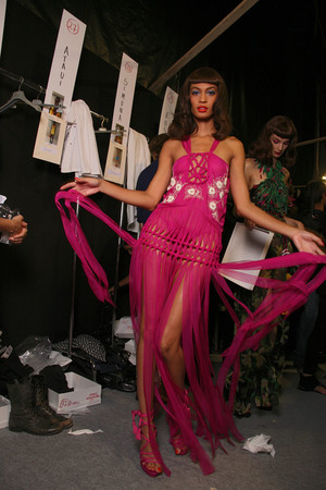 Показ Christian Dior коллекции сезона Весна-лето 2011 года Prêt-à-porter - www.elle.ru - Подиум - фото 192515