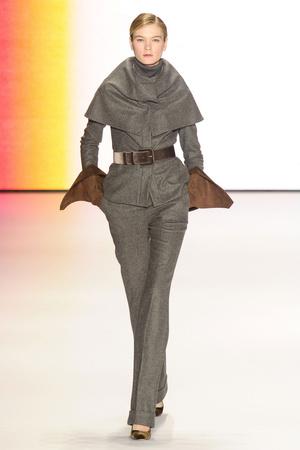 Показ Carolina Herrera коллекции сезона Осень-зима 2011-2012 года Prêt-à-porter - www.elle.ru - Подиум - фото 228854
